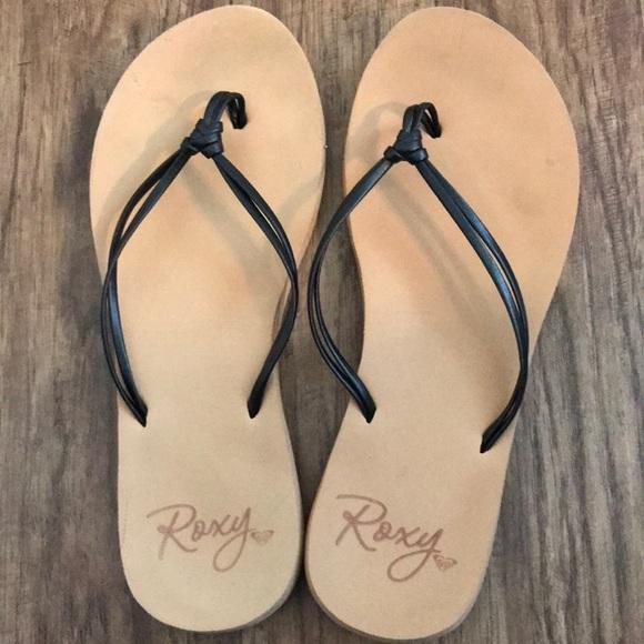 38f206a53 Roxy Shoes - Roxy flip flops size 7 women s - tan and black